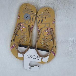 New Roxy Flip Flops